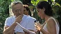 Il regista Marco Bellocchio e l'attrice Donatella Finocchiaro sul set di Sorelle Mai