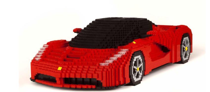 Una delle opere create da Riccardo Zangelmi per Lego e Ferrari
