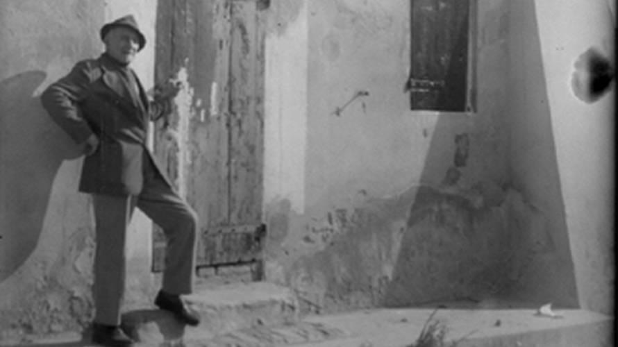 Luigi Fantini sulla soglia di Casa Gessi nel 1975